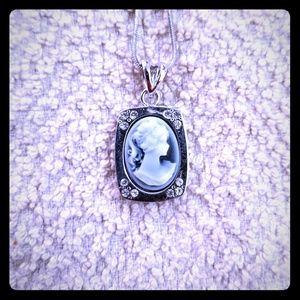 Victorian sillouhette necklace